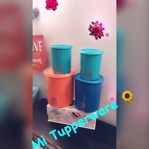 One touch Tupperware